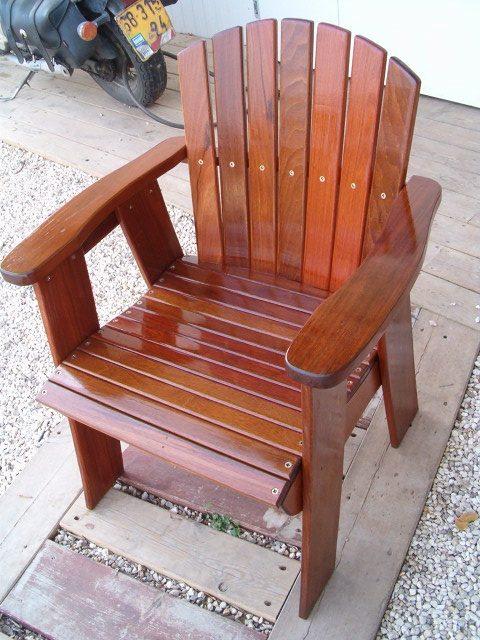 כיסא בריכה מעץ איפאה