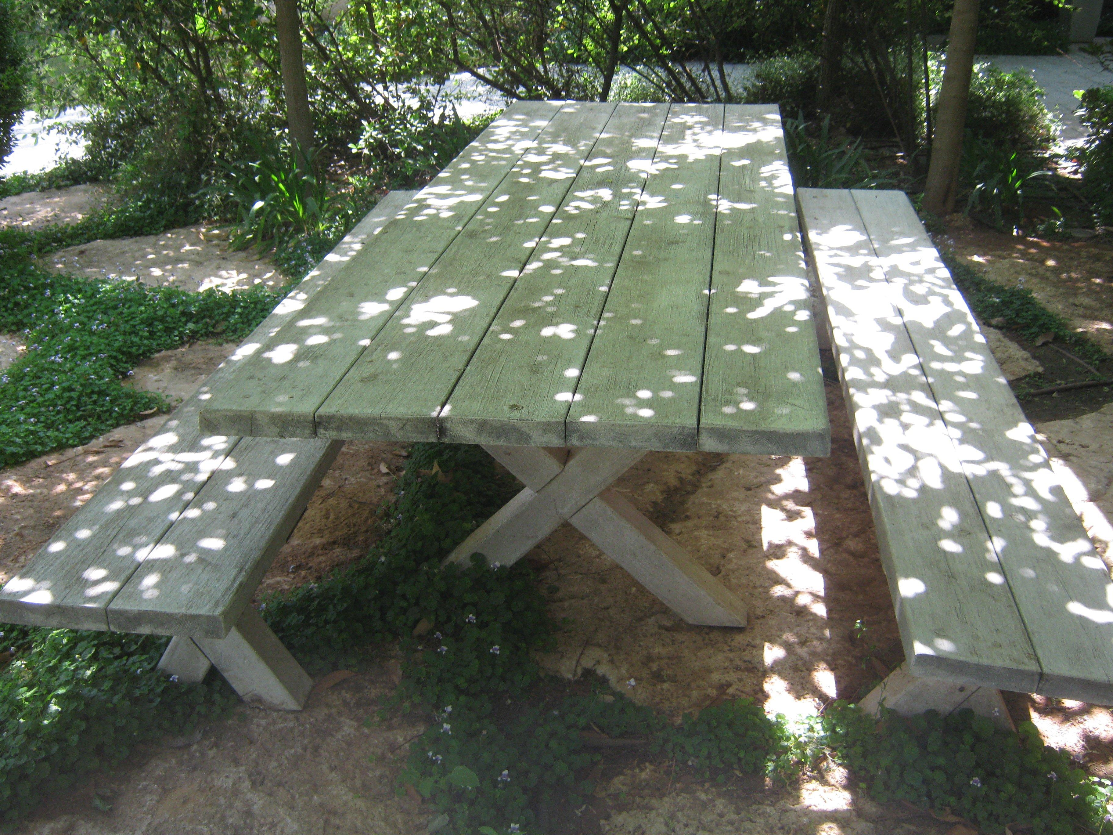 שולחן דגם גולן